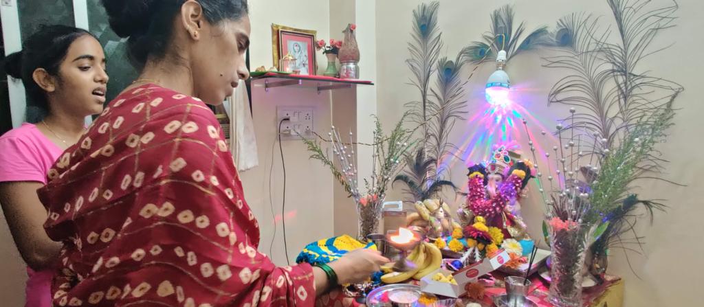 Photo of women praying in India